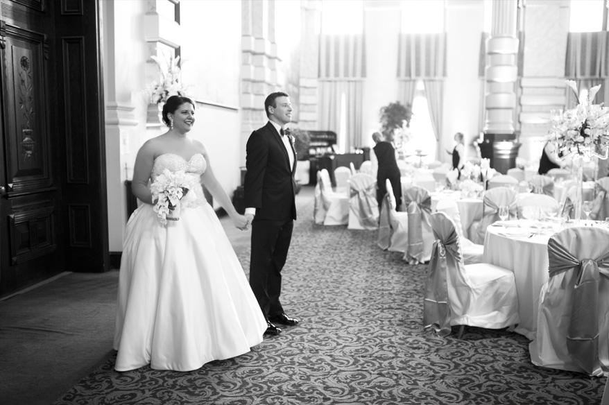 255 Grain Exchange Villa Terrace Wedding Photos   Carly and Andrew