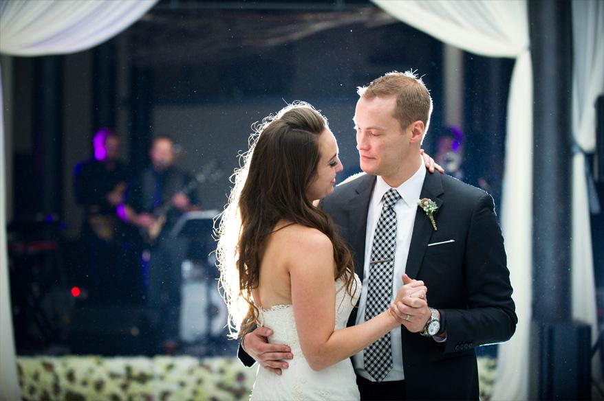 59a1 Pritzlaff Wedding Photos Milwaukee   Classic Romantic   Carly and Brian