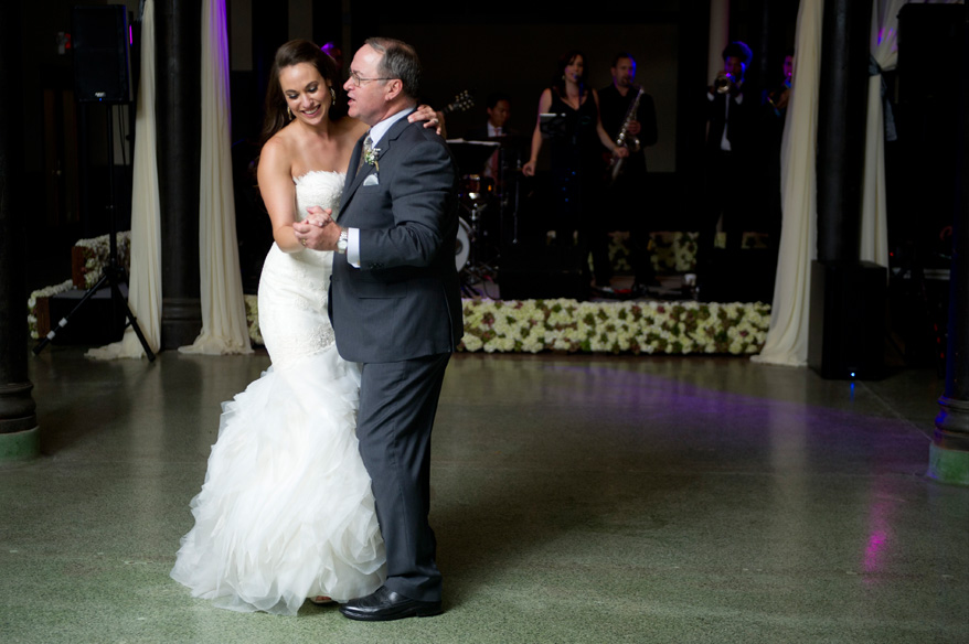59b4 Pritzlaff Wedding Photos Milwaukee   Classic Romantic   Carly and Brian